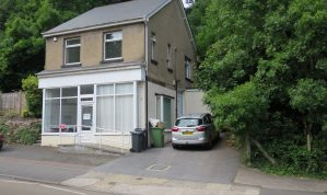 Retail / Office / Showroom premises in prominent position on busy road with allocated Car Parking