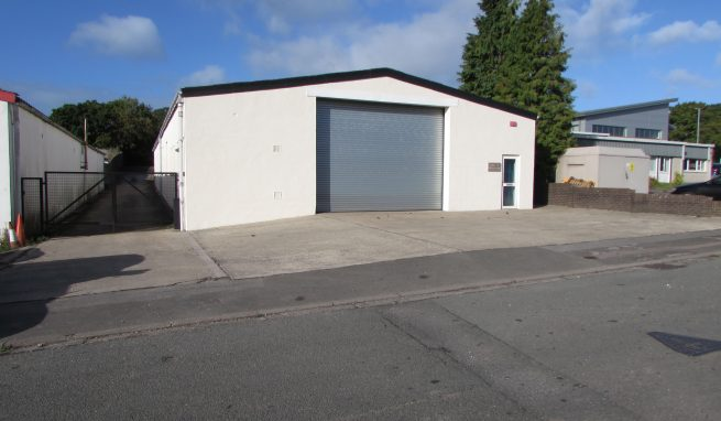Substantial Industrial / Warehouse Unit with range of Offices and large secure Rear Yard.