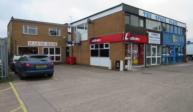 Economical First Floor Office Suite with Parking on the popular Marsh Barton Trading Estate on the edge of Exeter