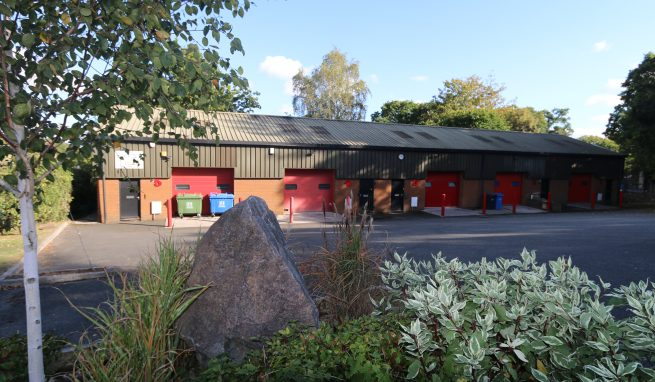 Light Industrial / Trade Counter Unit in a convenient and sought after location on the edge of Bovey Tracey