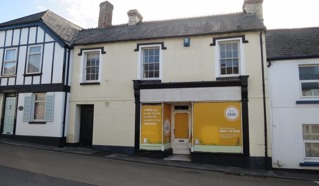 Prominent Freehold Office / Retail Premises with Potential for Residential Conversion (subject to planning)