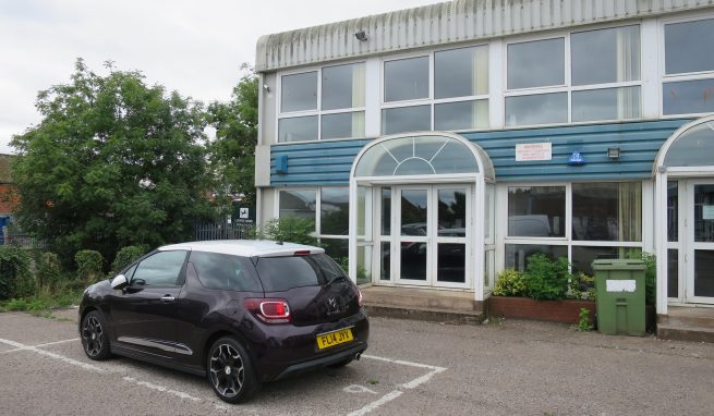 Office / Showroom/ Studio Premises in convenient location at Pinhoe on the Eastern side of Exeter