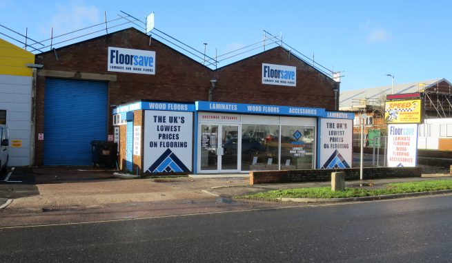 Trade Counter / Retail Premises in Prominent Roadside location on the Marsh Barton Trading Estate on the edge of Exeter